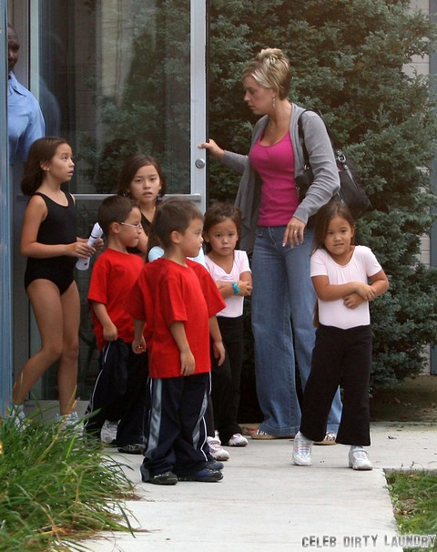 Kate Gosselin Trying To Gain Mom Followers By Tweeting About Preparing Her Children For Back To School