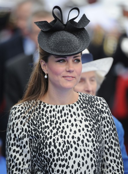 Kate Middleton Warned To Keep Royal Baby Away From Her Parents' Home 0621