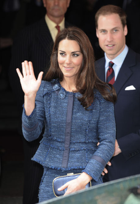 Kate Middleton Curled Over In Excruciating Pain: Royal Baby Causes A Royal Problem!