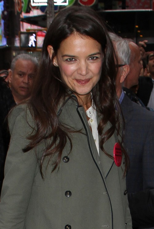 "Katie Holmes Says ""Good Morning America"""
