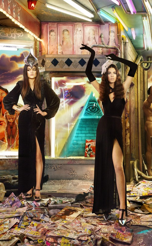 The Kardashian-Jenner Christmas Card - Prepare To Be Horrified (PHOTOS)