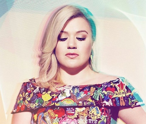 Kelly Clarkson Returning To 'American Idol' as Judge?