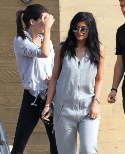 Kim Kardashian and Sisters Turn Against Kris Jenner: Kanye West Responsible, Replacing Momager with New Representation?