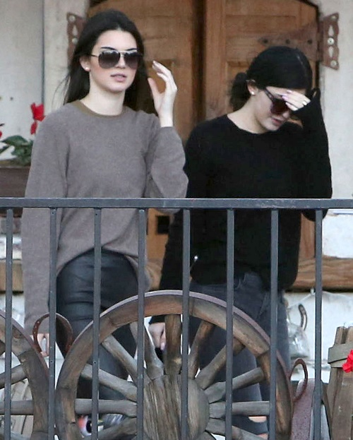 Kendall Jenner, Kylie Jenner Score Own Reality TV Show – Kim Kardashian And Sisters Fear Show Will Overthrow KUWTK!