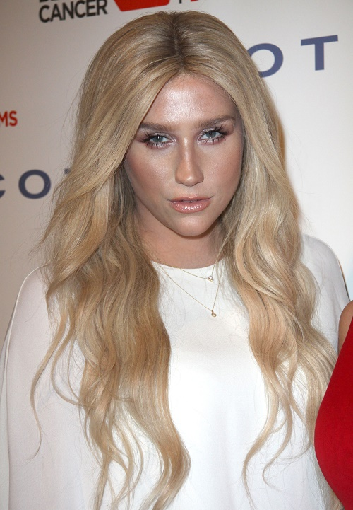 Kesha Spotted At Beach Boys Concert Slurring Words And Stumbling – Troubled Singer Headed Back To Rehab?