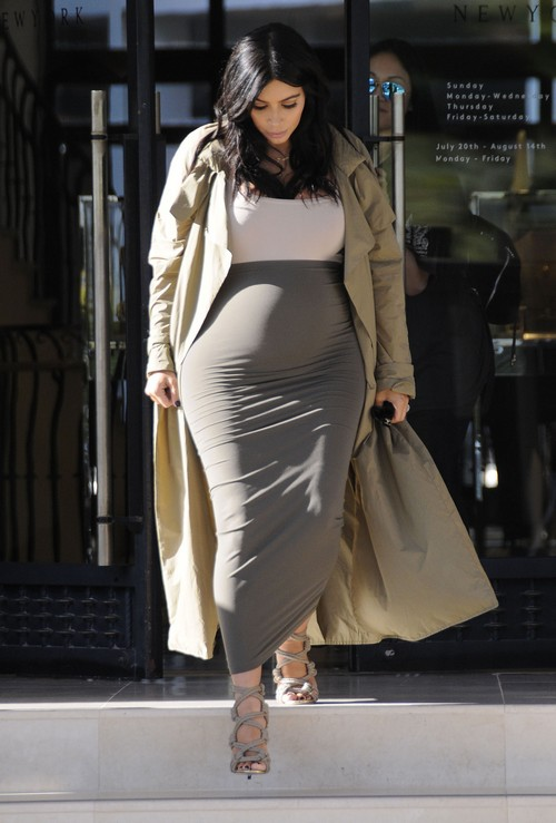 Kim Kardashian, Naya Rivera Nude Baby Bump War: Hypocritical Glee Actress Poses Naked and Pregnant in Photo Shoot