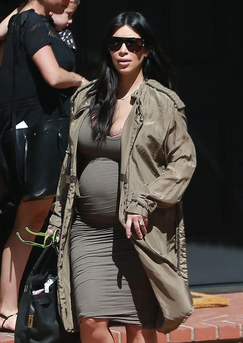 Kim Kardashian Paying Off Rob Kardashian to Hike, Make Peace in the Family?