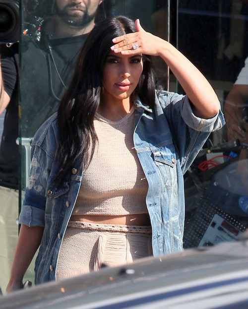 Kim Kardashian Divorce: Kanye West Escapes Pregnant Wife To Go on Tour and Party - Kimye Wants Son, Not Marriage?
