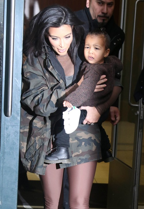 Kim Kardashian Pregnant, Divorce Update: Kim a Baby From Kanye West Before Ending Marriage?