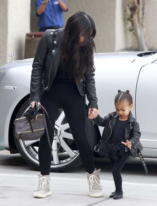 Kim Kardashian Divorce: Kanye West's Team Ashamed of Kimye, Battles Over North West Ruin Marriage?