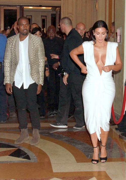 Khloe Kardashian Fighting With Kim Kardashian: Las Vegas Birthday Party Snub (PHOTOS)