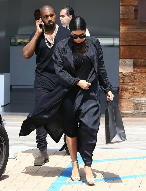Kim Kardashian Divorce: Kanye West Sick of Kardashian Family Drama, Scott Disick Cheating Scandal – Couple Fighting Constantly