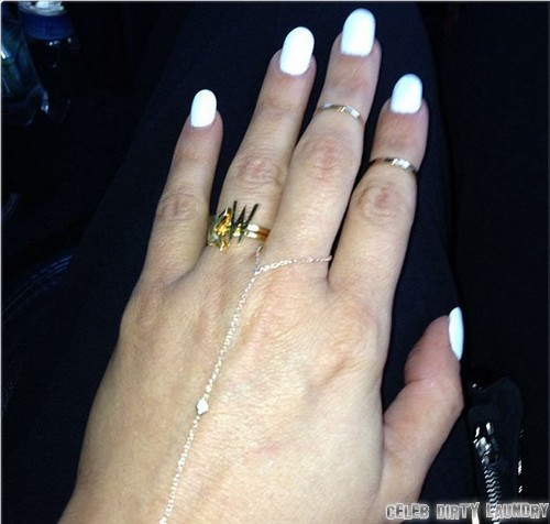 Kim Kardashian Tweets Engagement Ring From Kanye West (Photo)