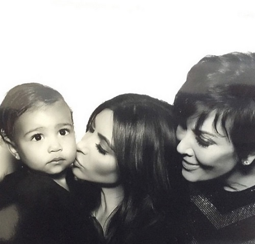 Kim Kardashian Divorce: Kimye Fighting Over North West's KUWTK Screentime - Kanye West Forbids Selfies
