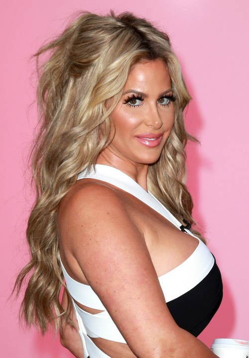 Tony Dovolani and Dancing with the Stars Judges Want Kim Zolciak Voted Off – A Total Diva!