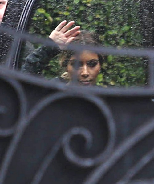 Kim Kardashian Admits She's A Horrible Mother Who Uses North West as a Photo Op Prop (PHOTOS)