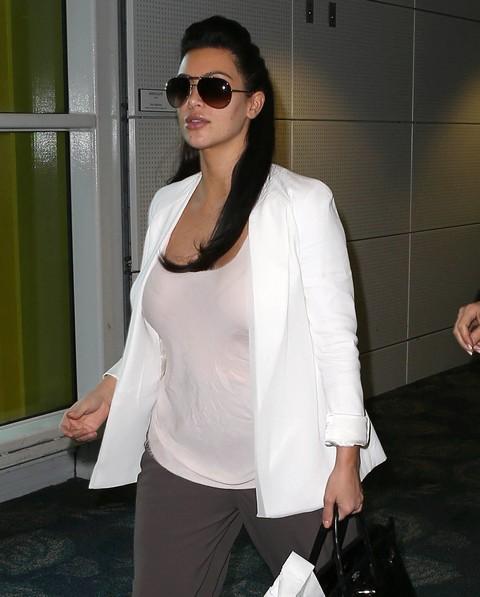 Kim Kardashian First Baby Bump Pictures In Miami (Photos)