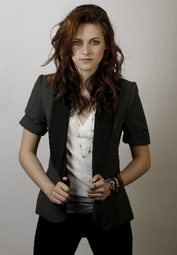 Kristen Stewart Is A Natural Vampire