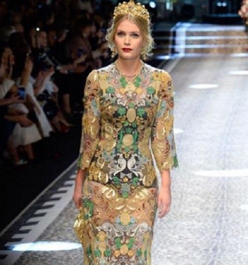 Princess Diana's Niece Lady Kitty Spencer Makes Debut At Milan Fashion Week
