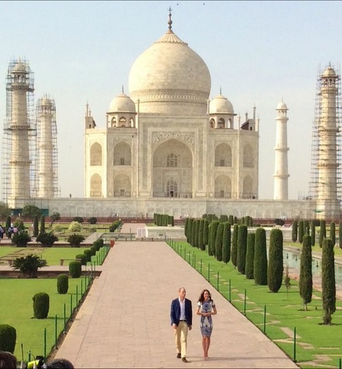 Kate Middleton Taj Mahal Photo with Prince William: Hopes to Avoid Divorce Like Princess Diana's After Visit