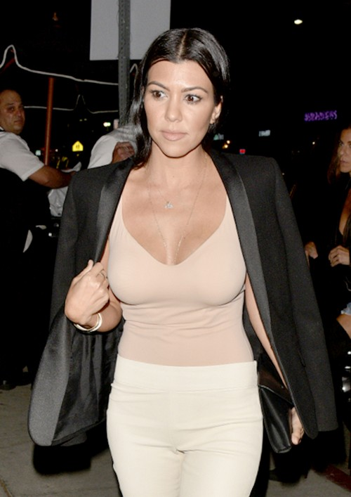 Kourtney Kardashian Hook-Up with Justin Bieber: Leaves Nightclub with Biebs After Seeing Full-Frontal Nude Pics?