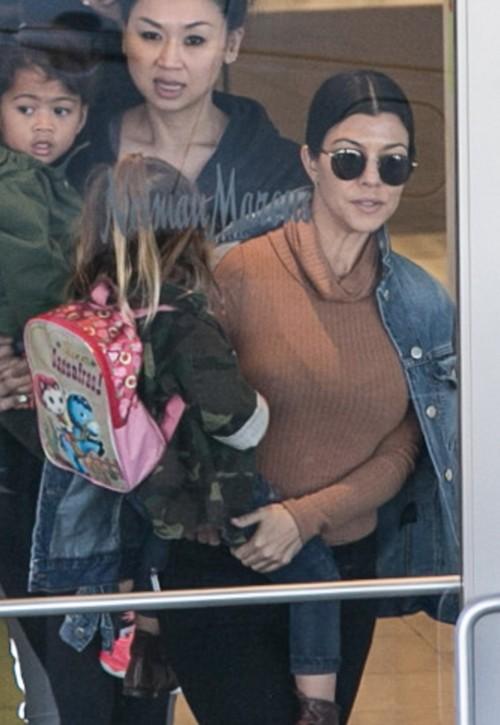Kourtney Kardashian Plastic Surgery Plans: Facelift To Keep Boytoy Justin Bieber Interested?