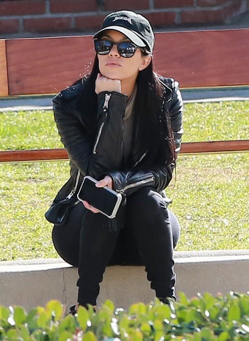 Khloe Kardashian Shames Scott Disick In Kourtney Kardashian Breakup For Playing The Victim