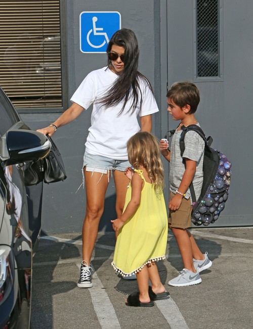 Kourtney Kardashian Steps Out Supporting Kanye West, Leaves Scott Disick Behind Again?