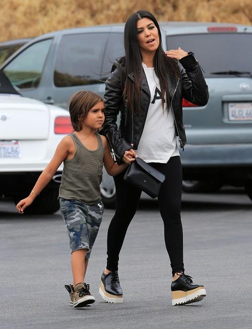 Kourtney Kardashian And Scott Disick Breakup Official: Finally Splits With Cheating Boozer Over Chloe Bartoli