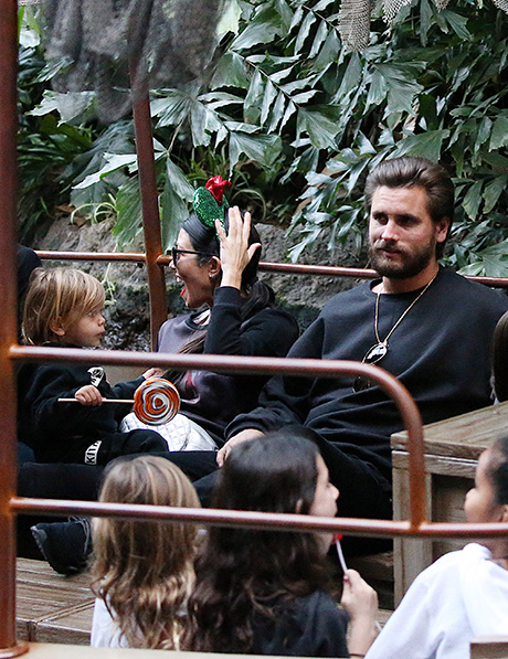 Kourtney Kardashian, Scott Disick Spotted With Sons In Disneyland: Kourtney Puts Scott On Probation, Rekindles Romance? (PHOTOS)