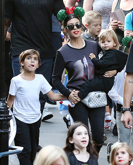Kourtney Kardashian, Scott Disick Spotted With Sons In Disneyland: Kourtney Puts Scott On Probation, Rekindles Romance? (PHOTOS)