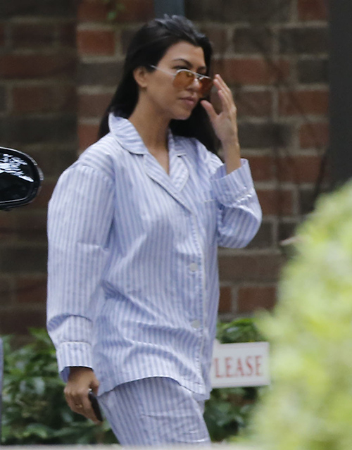 Kourtney Kardashian Furious Over Kris Jenner Phone Calls To Scott Disick: Betrayed By Momager