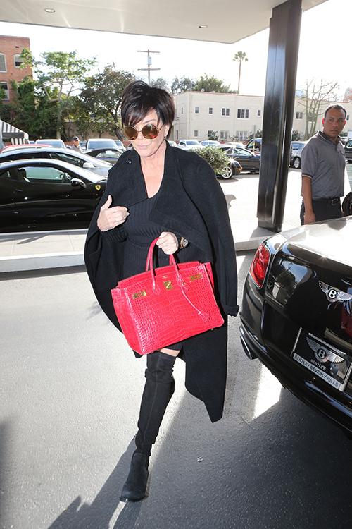 Rob Kardashian Charges Kris Jenner $50,000 To Appear In Kardashian Family Christmas Card - Feud Escalates?