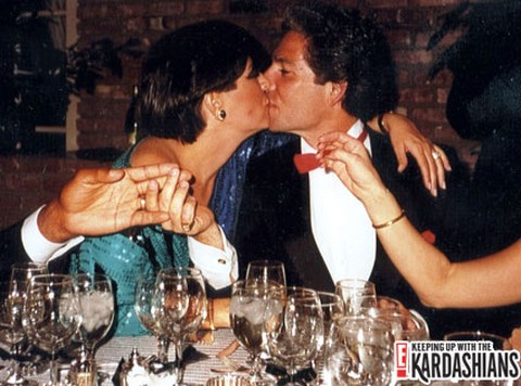 Kris Jenner Cheated On Robert Kardashian Because He Defended Murderer O.J. Simpson – CDL Exclusive