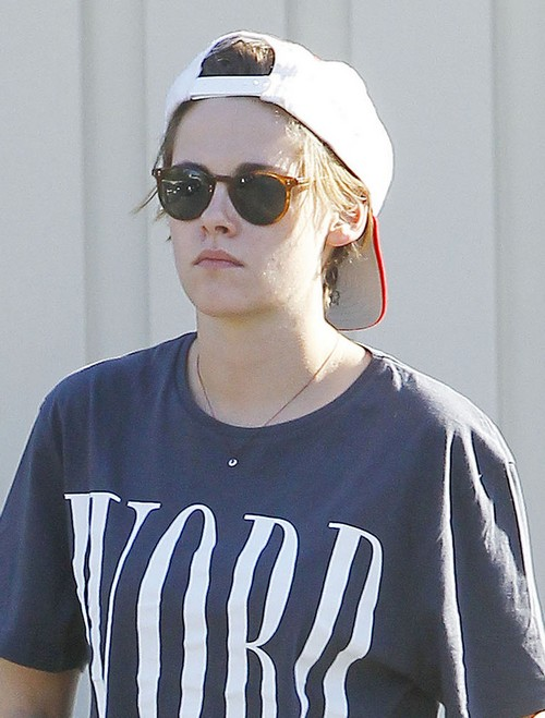 Kristen Stewart Hates Robert Pattinson Neglecting His Career To Follow FKA Twigs Promoting Her Concerts