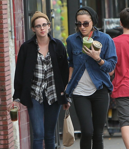 Kristen Stewart and Alicia Cargile are Dating and a Romantic Couple: Ring in the New Year Together!