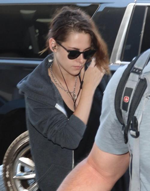 FKA Twigs in Wedding Dress: Forbids Robert Pattinson to Invite Kristen Stewart or Any 'Twilight' Cast to Marriage Ceremony?