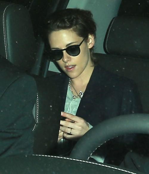 Kristen Stewart Wedding News: Did K-Stew Marry Alicia Cargile In Secret Ceremony – Wearing Wedding Band In Public?