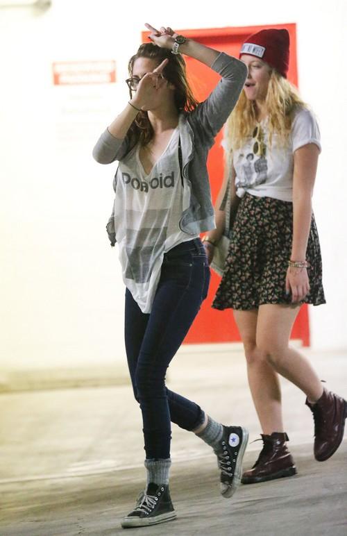 Kristen Stewart's Public Meltdown - Another Amanda Bynes? (PHOTOS)