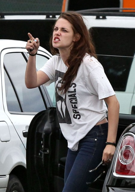 Robert Pattinson Spotted With Mystery New Girlfriend in London - Kristen Stewart Loses Her Mind (PHOTO)
