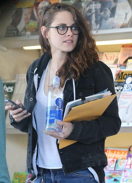 Robert Pattinson Filming In Morocco, Missing Kristen Stewart?