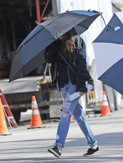 Robert Pattinson Encourages Kristen Stewart To Sign Nike Shoe Endorsement Deal
