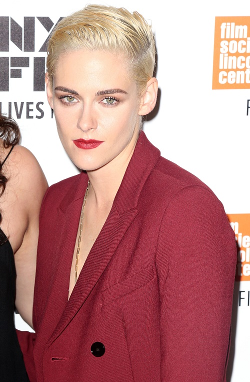 Kristen Stewart Refuses To Join 'Superficial' World of Social Media: Jab At FKA Twigs?
