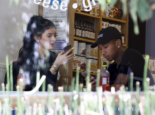 Kylie Jenner Paying Off Tyga's Rent Debt: Using KUWTK Star For Money - Kylie Brainwashed, Fooled By Love?