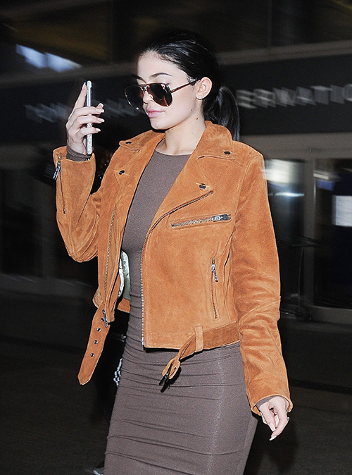Kylie Jenner Arrives At LAX Airport And Shows Off Engagement Ring