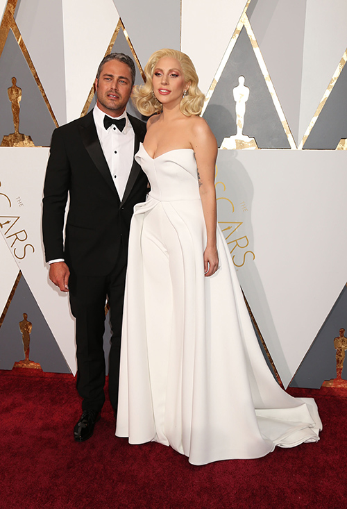 Lady Gaga, Taylor Kinney Married In Secret Wedding – Spotted Wearing Matching Wedding Bands?