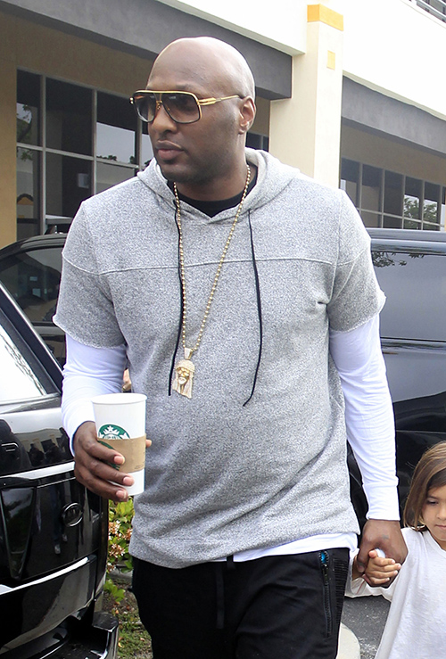Lamar Odom Drunk, Removed From Recent Flight After Vomiting On Himself: Boozing Too Hard, Life Spins Out Of Control Again?
