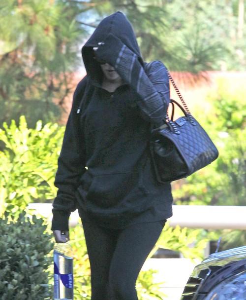 Lamar Odom's NYC Coke Dealer Talks on Video - Khloe Kardashian Hides In Shame