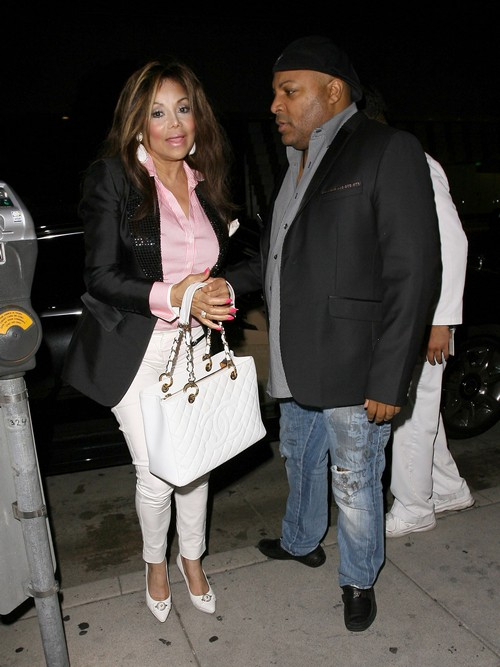 """La Toya Jackson States """" I'm NOT Married """"!!! - Then Who is Jeffre Phillips If Not Her Husband?"""