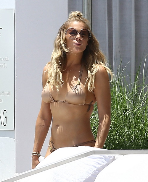 LeAnn Rimes Confesses To 40-Pills-A-Day Drug Habit: Eddie Cibrian's Wife Delusional - Thinks They Stop Aging Processes!